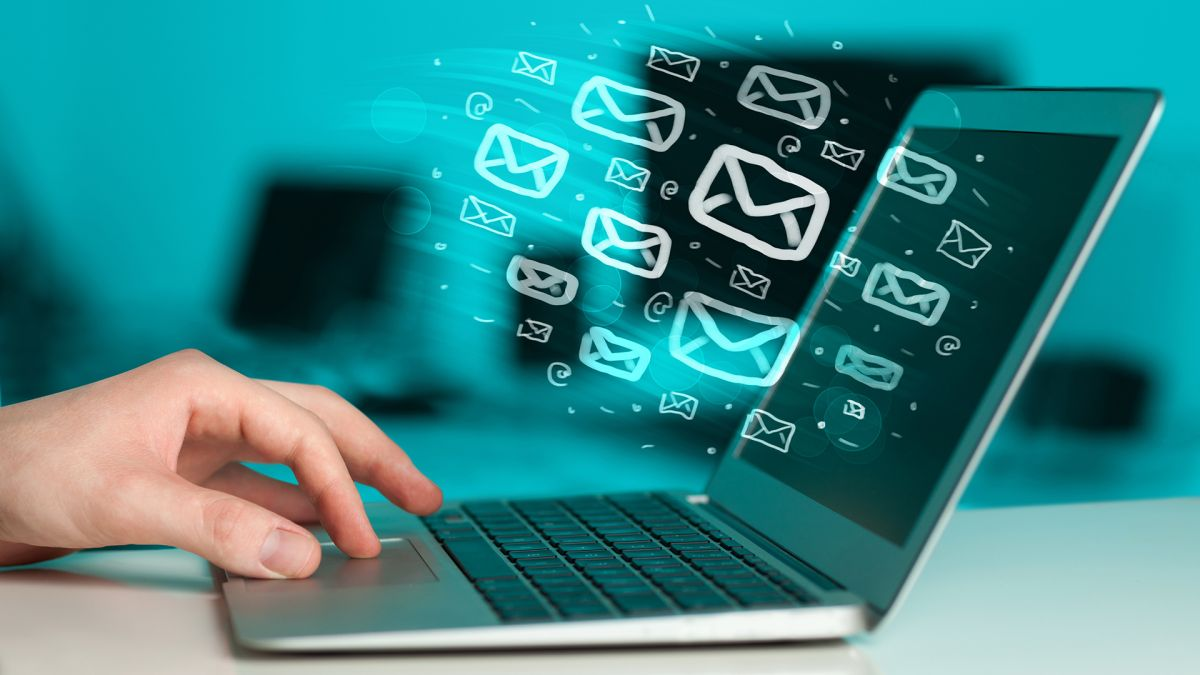 email-laptop-computer-marketing-ss-1920